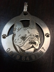 Pendant sign for a dog with the face of the French Bulldog v.2
